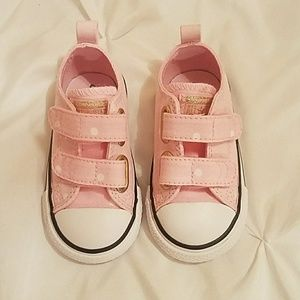Baby girl converse size 5